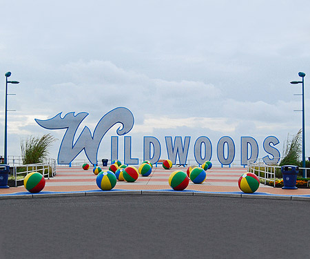 Live Cam Wildwood, NJ Boardwalk Beach Entrance Sign