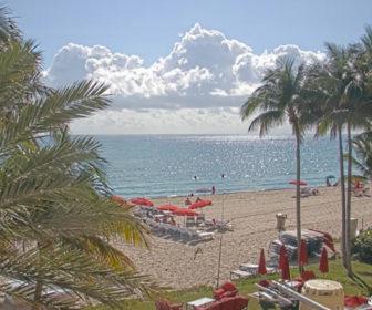 Sunny Isle Beach Webcam - Acqualina Resort & Spa Miami