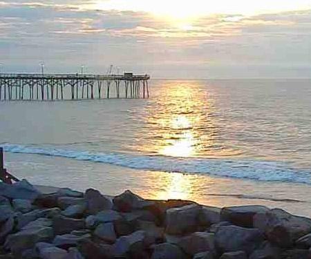 Hot Wax Surf Shop Webcam, Kure Beach, NC