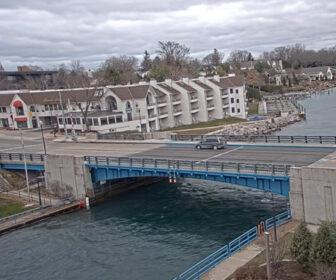 Charlevoix Bridge Cam - Lake Michigan