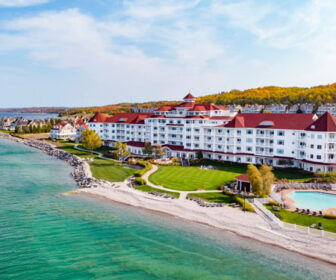 Inn at Bay Harbor Live Cam, Lake Michigan