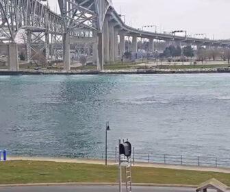 Port Huron Live Ship Cam - Lake Huron
