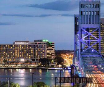 DoubleTree by Hilton Hotel Jacksonville Riverfront Florida Webcam