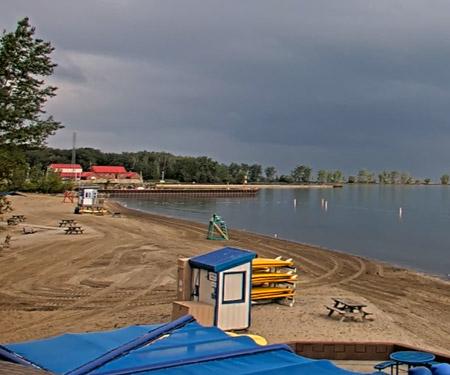 Fairport Harbor Beach and Lighthouse Cam, Lake Erie