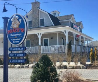 Iggy's Doughboys & Chowder House Webcam, Warwick, RI